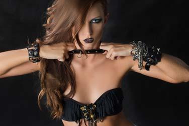 Erotische Geschichte: Vogelfrei mit Rockerbraut