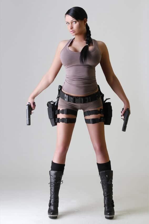 Stripperin Holly | Eronite.com