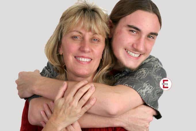 Inzest-Geschichte: Der notgeile Sohn und seine Mutter