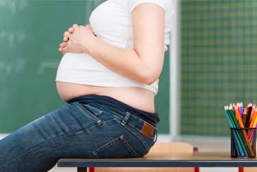 Lehrerin schwanger von Schüler - Der Skandal