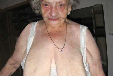 Perverser Fetisch: Die Swinger Oma