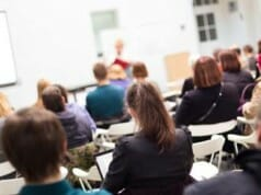 Lernen als Privatschüler an Heras Academia