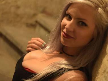 Sexy Anne-Marie Pornos Download bei Eronite