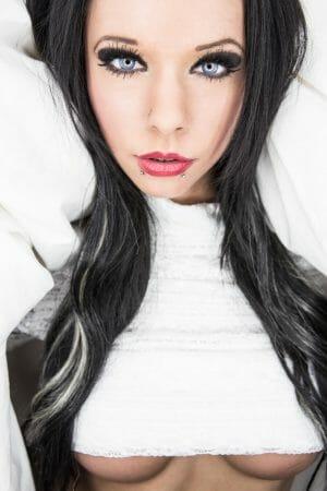 Tyra Kadney | Eronite.com